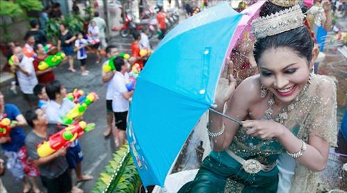 thailand_bangkok_songkran_thai_new_year