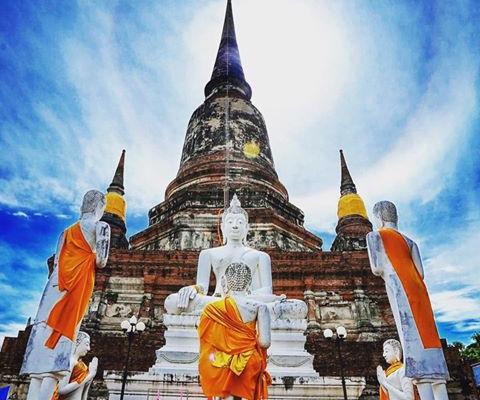 Таиланд погружается в буддийские праздники
