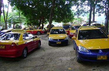 Аэропорт Пхукета: Организованная очередь такси