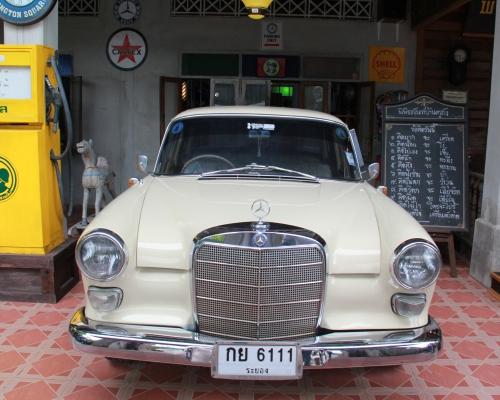 В автомобильной столице Таиланда открылся музей редких авто