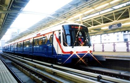 Бесплатный проезд в метро Бангкока в День Детей