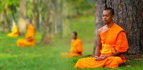 Сегодня в Таиланде Асанха Пуджа