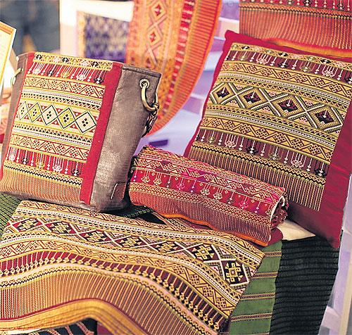 Выставка текстильных изделий ручной работы в Siam Paragon