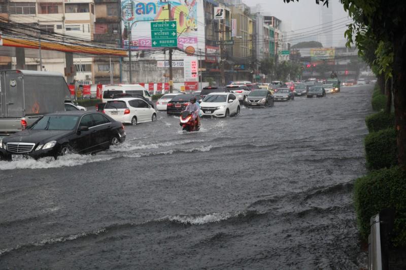 Бангкок: оранжевый уровень опасности паводкового наводнения